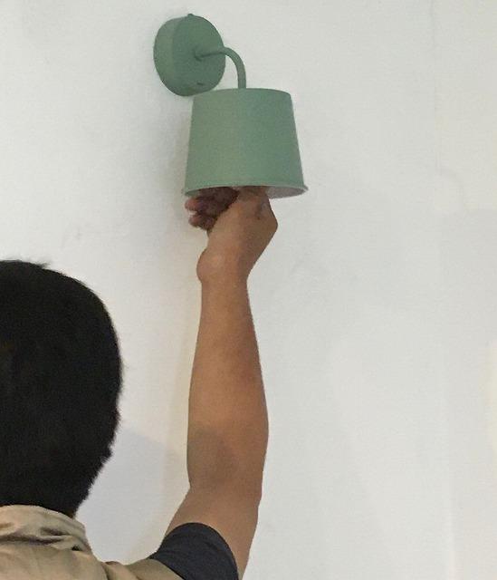 京都 サイン 照明 エアコン取付3.jpg