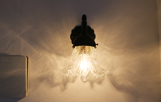 これしかない!という大好きな照明を選んだり!