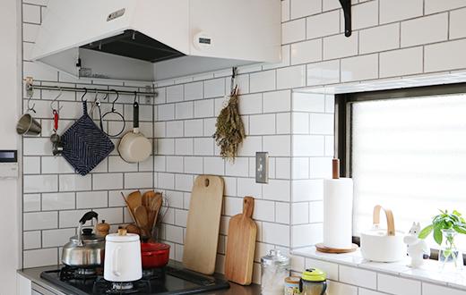 キッチンスペースをホワイトレンガ風にしたり!